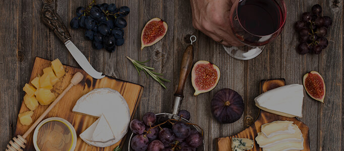 queenston mile vineyard red wine and charcuterie and cheese
